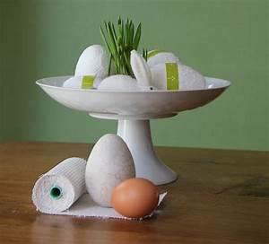 Mit Gips Basteln : osterdeko basteln weisse gips eier ~ Lizthompson.info Haus und Dekorationen