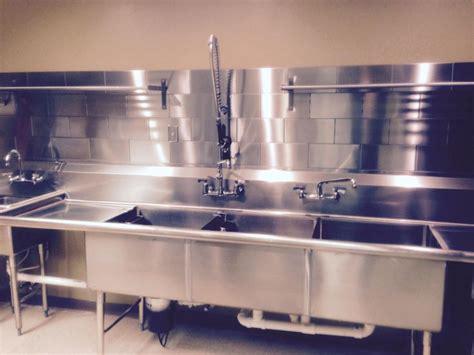commercial kitchen backsplash 1000 images about commercial kitchen design on pinterest industrial metals and tile