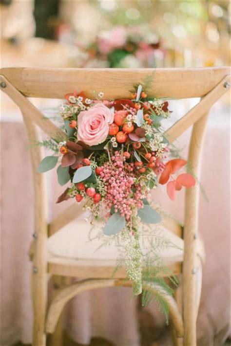 habit de chaise mariage 10 232 res 233 l 233 gantes d habiller les chaises d un mariage mariage