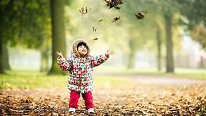 Cute Kids Play Park Full HD Pics - Large HD Wallpapers
