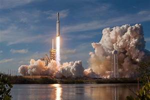 Seeing Spacex U2019s Falcon Heavy Rocket Take Off For The First