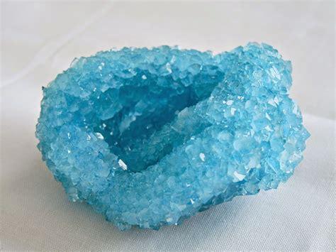 Borax Crystals: How to Grow Giant DIY Borax Crystals