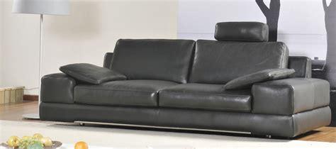 canapé confortable et design pourquoi la tendance est aux canapés cuir avec têtières