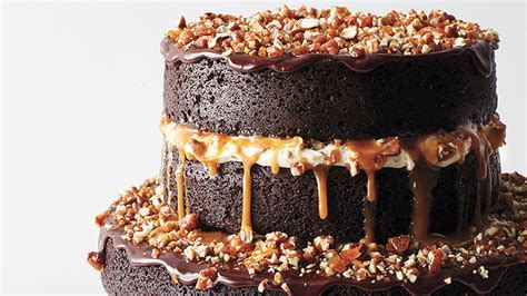 chocolate wedding cake ideas   blow  guests