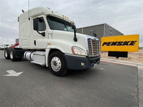 sleeper tractors  sale  tx penske  trucks