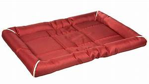 Top 10 outdoor dog beds outdoor dog world for Rugged dog bed