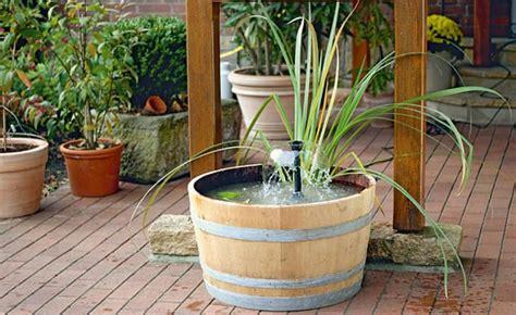 Miniteich Ideal Fuer Garten Terrasse Und Balkon by Gestalten Sie Einen Mini Teich Mit Wasserspiel Mini