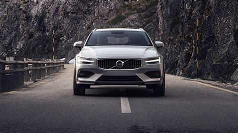 Volvo 2020 Motor by 2020 Volvo V60 Cross Country Is Proof Suvs Aren T Always