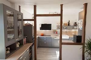 Landhauskuchen im modernen wohnumfeld kuchenhaus thiemann for Küche holz modern