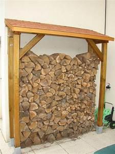 Pouf En Bois : abri bois bricolage meubles en bois ~ Teatrodelosmanantiales.com Idées de Décoration