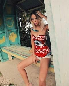 Former Big Brother star Tully Smyth sizzles in bikini shot ...