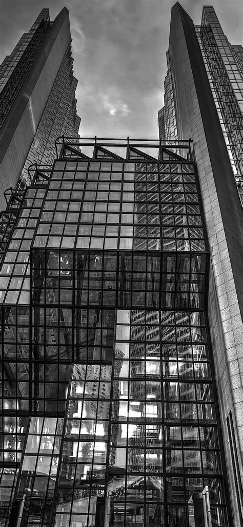 Beautiful wallpapers for the wall of your phone is very important and in demand. iPhoneXpapers.com-Apple-iPhone-wallpaper-vo04-architecture-building-city-pattern-dark-bw