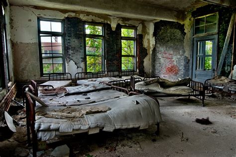 crowded ward photo   abandoned norwich state hospital