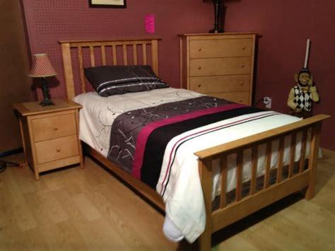 chambre à coucher merisier mobilier de chambre à coucher pour enfant en merisier enfant