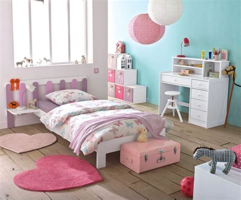 chambre des décorer une chambre de fillette avec du papier de soie