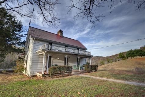 A free inside look at company reviews and salaries posted anonymously by employees. Beecher Wallace Homestead added to state park system | UCBJ - Upper Cumberland Business Journal
