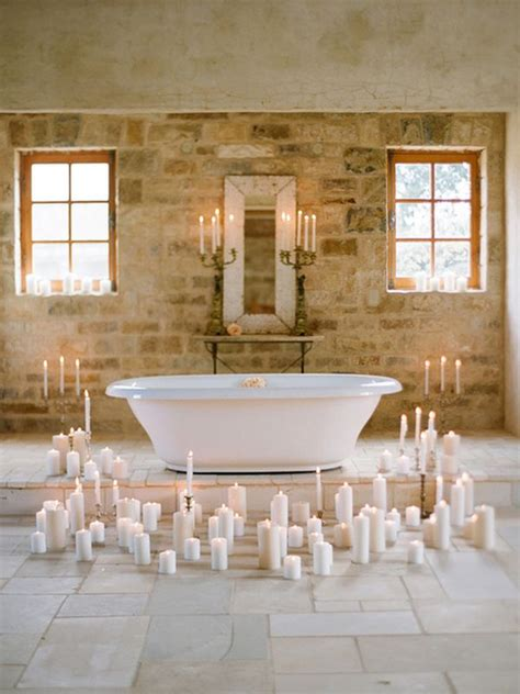 decorate  candles   room