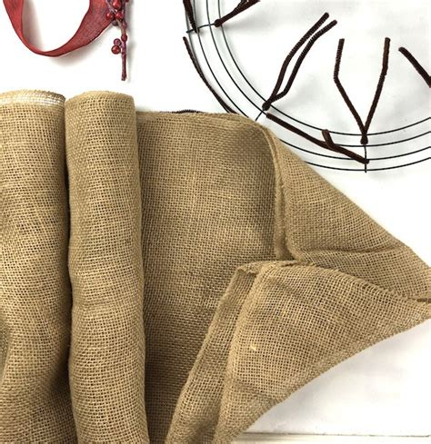 how to make a burlap wreath with two colors how to make a burlap wreath amazing diy gift idea