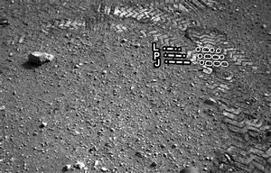 Mars Curiosity Rover Leaves Tracks in Morse Code