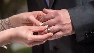 Steuern Sparen Durch Heirat : verliebt verlobt und bestens versorgt b z berlin ~ Lizthompson.info Haus und Dekorationen