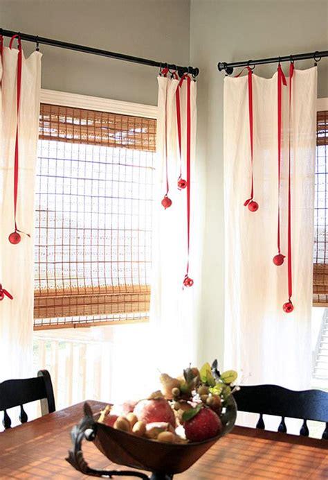 waiting  santa ideas    decorate  windows