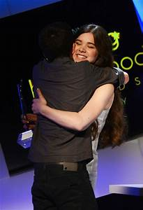 Asa Butterfield and Hailee Steinfeld Photos Photos - 14th ...