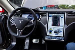 Tesla Porte Papillon : tesla beta teste le pilote automatique de ses model s ~ Nature-et-papiers.com Idées de Décoration