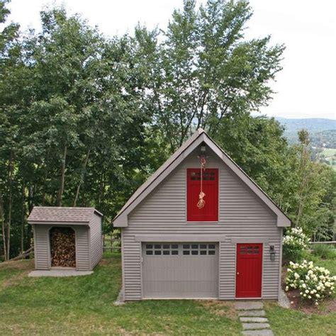 modular single car garages custom barns  buildings  carriage shed