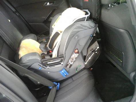 siege auto bebe qui se tourne avis siège auto conseils d 39 achat peugeot 508 forum