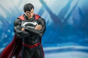 The New 52 Superman Statue | Popcultcha Convention ...