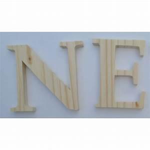 Lettre En Bois A Poser : lettres en bois 10 cm avec crochet ~ Teatrodelosmanantiales.com Idées de Décoration