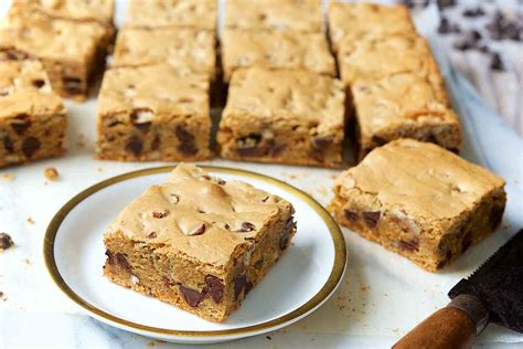 chewy chocolate chip cookie bars recipe king arthur flour