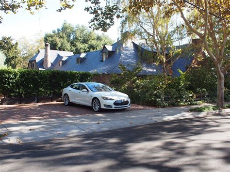 Jobs Home : Visiting The Cemetery Where Steve Jobs Was Laid To Rest