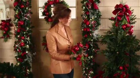 hiring christmas decorating door decorating ideas