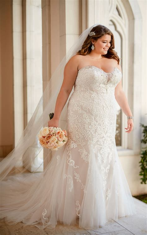 Plus Size Vintage Lace Wedding Dress Stella York