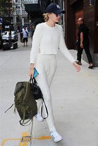 Fashion For Home : gigi hadid showed us how to wear suit with white sneakers ~ Orissabook.com Haus und Dekorationen