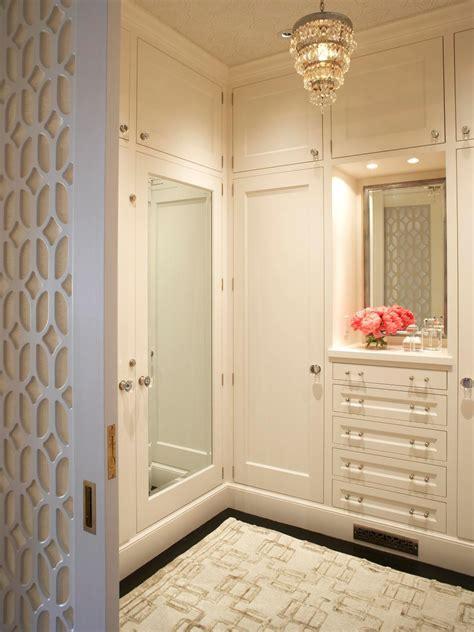 10 Stylish WalkIn Bedroom Closets HGTV