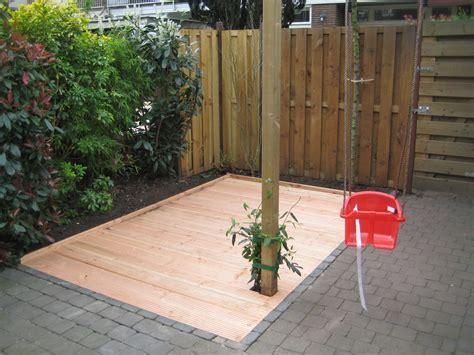 Vlonder Aanleggen Op Tegels vlonder in tuin voordemakers nl