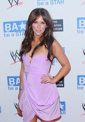 jennifer love hewitt images wwe summerslam kick  party