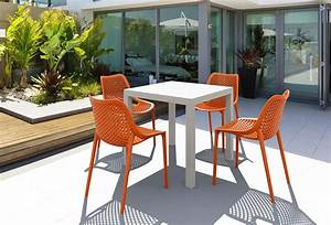 Table De Jardin En Plastique : diy comment peindre votre salon de jardin en plastique ~ Dode.kayakingforconservation.com Idées de Décoration