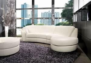 Le canape design italien en 80 photos pour relooker le salon for Nettoyage tapis avec canape blanc cuir design