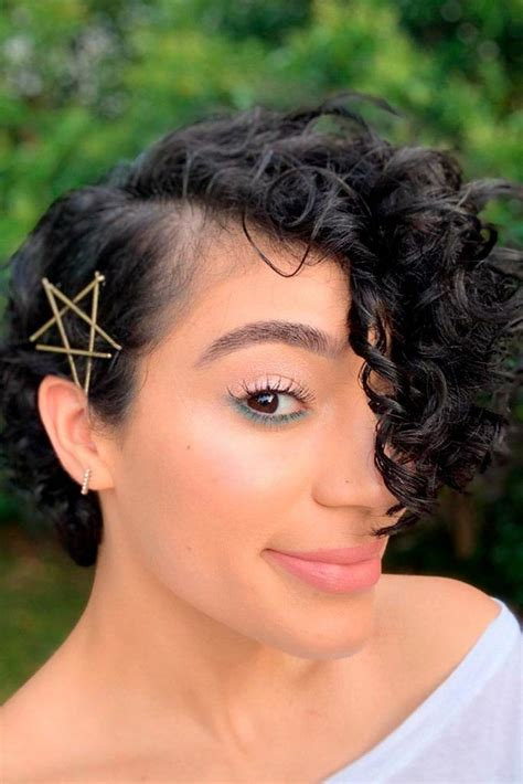 25 Bobby Pin Ideas to Compliment the Style