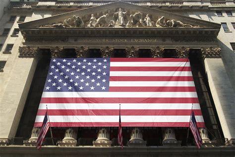 york stock exchange banner flag mockup generator