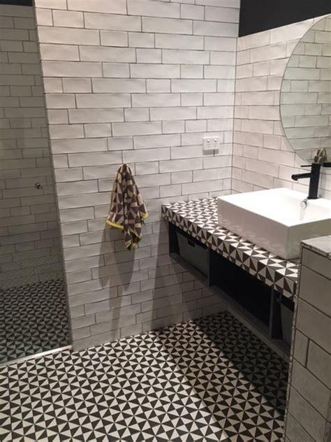 Matt Or Gloss Bathroom Tiles by A Striking Bathroom Using Wall Tiles Devonshire White Matt