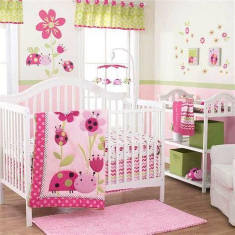 Schlafen, wickeln, anziehen und spielen. 1001+ Ideen für Babyzimmer Mädchen   Babyzimmer mädchen ...