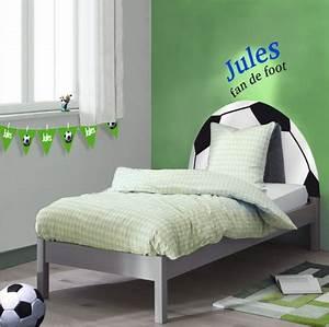 But Foot Enfant : lit enfant forme ballon de football un lit original pour les enfants fan de foot meubles ~ Teatrodelosmanantiales.com Idées de Décoration