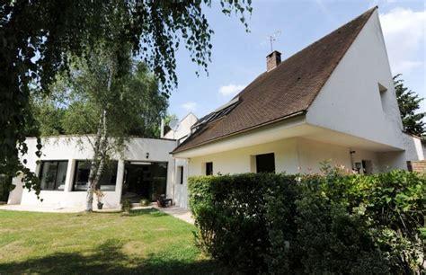 maison a vendre dans le 77 maison d architecte avec piscine et tennis dans un
