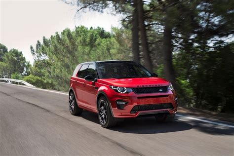 red land rover old discovery sport más seguridad para el suv familiar de