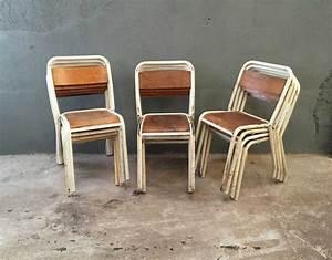 Chaise D école : ensemble de 13 chaises d 39 cole tolix ~ Teatrodelosmanantiales.com Idées de Décoration