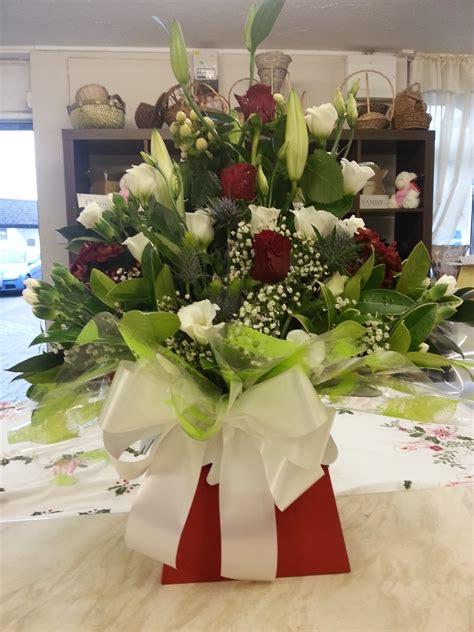 Flower Arrangements In A Vase by Living Vase Arrangement S Floral Designs